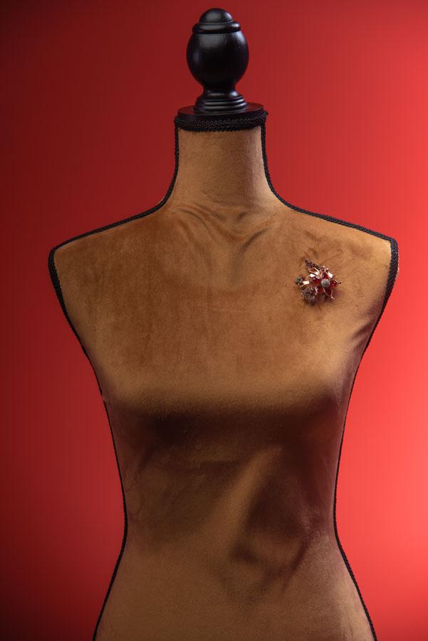 Spilla e ciondolo fiore bagnata in oro 12k