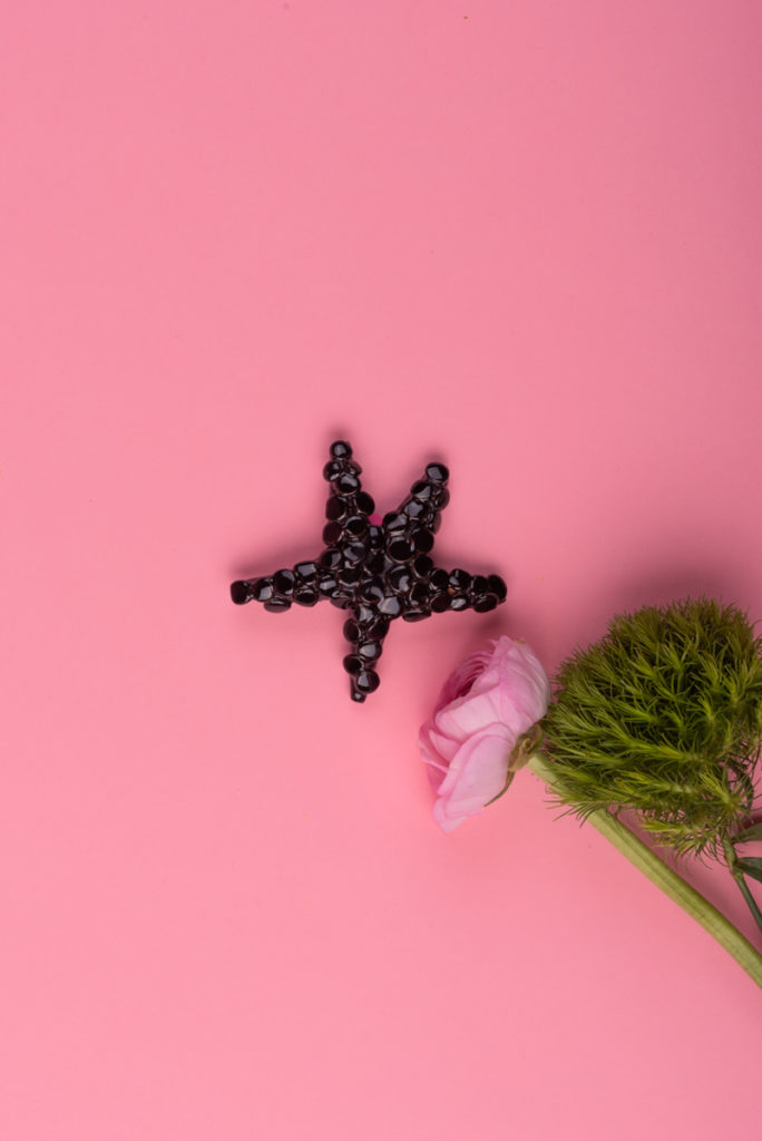 Stella marina nera in ceramica di Grottaglie handmade