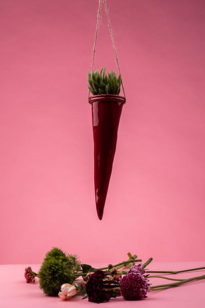 Corno portapianta da sospensione in ceramica rossa di Grottaglie handmade
