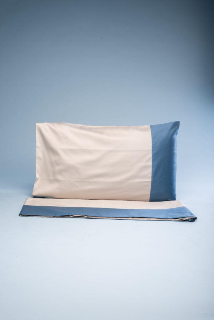 Completo letto singolo in rasatello di cotone corda con fascia azzurra