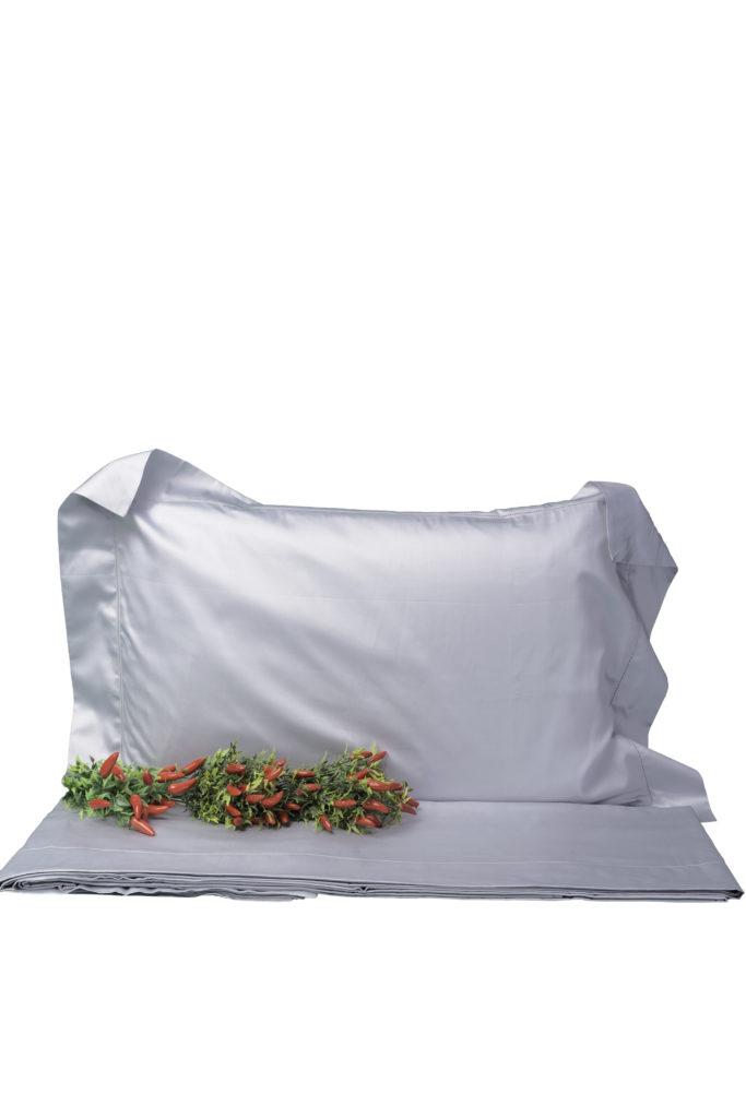 Completo letto matrimoniale in rasatello di cotone grigio perla con punto a giorno
