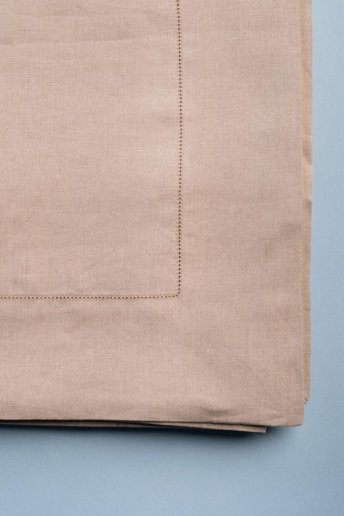 Tovaglia in lino grezzo corda con punto a giorno