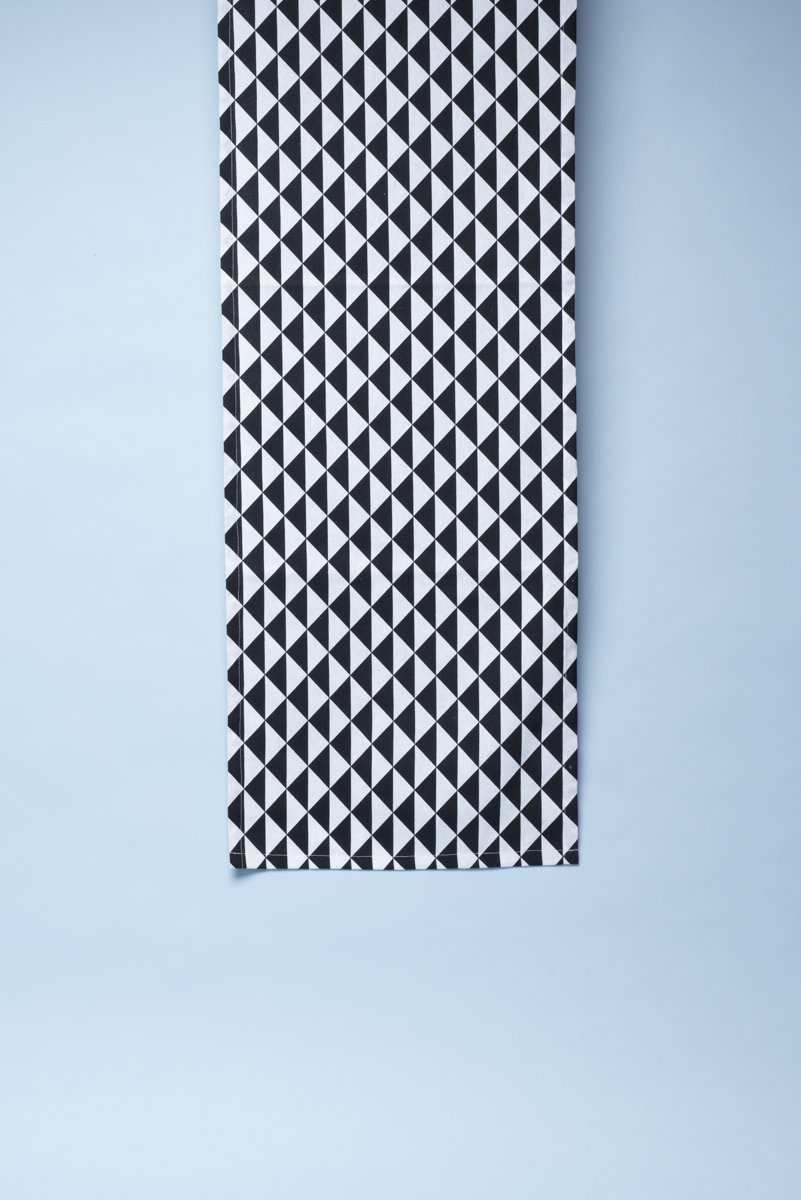 Runner fantasia optical in cotone stampato black and white Mis 40 x 130 cm