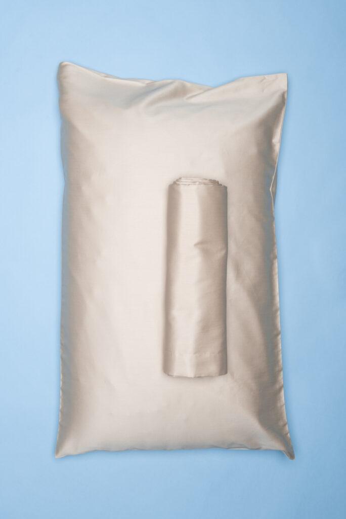 Dovi | completo letto singolo in rasatello di cotone sabbia
