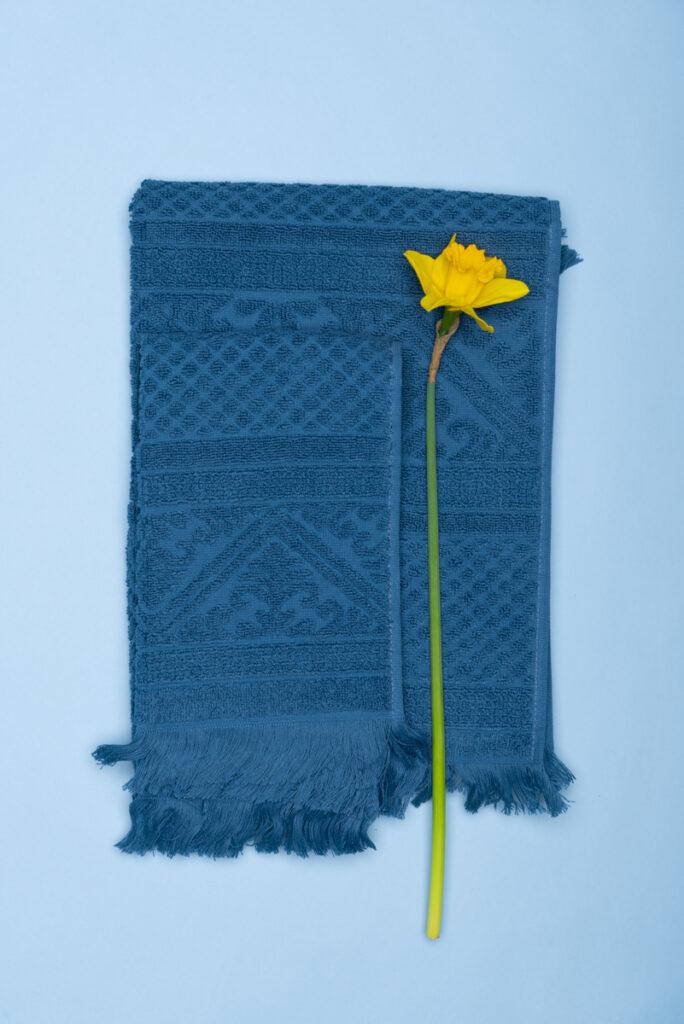Dovi Details | coppia di asciugamani in spugna blu con frange